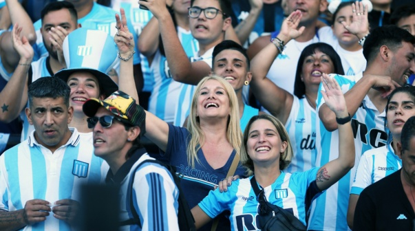 La gente de Racing en el partido vs. Independiente